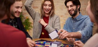 Couples Game Night – How to Plan with Checklist!