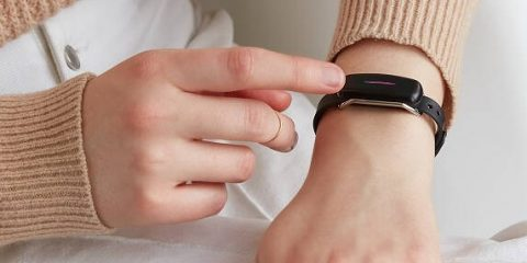 Touch Bracelets for Long-Distance Relationship Couples